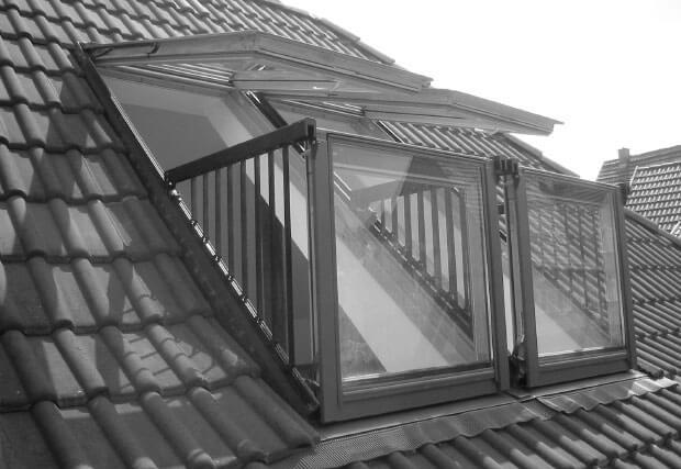 REF Dachfenster auen S Hofen 2010